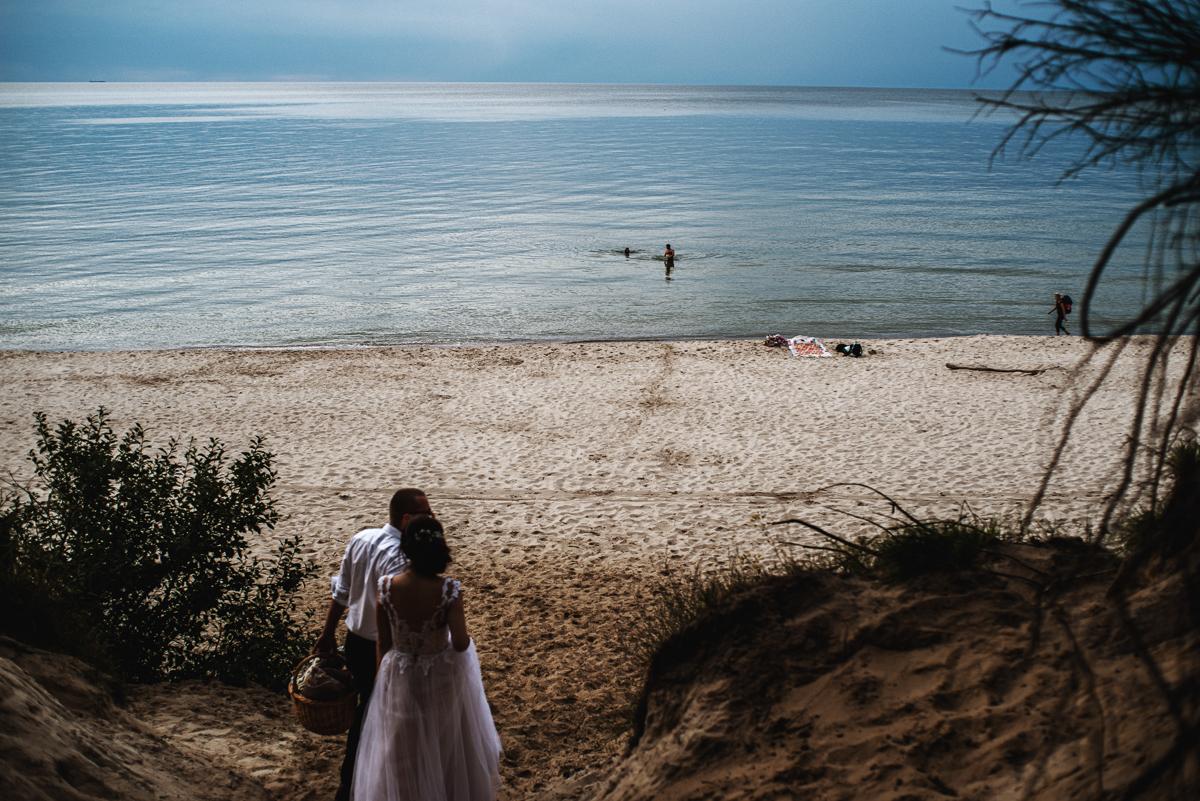 sesja ślubna nad morzem| zdjęcia ślubne szczecin | fotograf ślubny szczecin